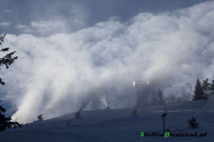 Przygotowania do sezonu narciarskiego na stokach / fot. Z.Krasowski