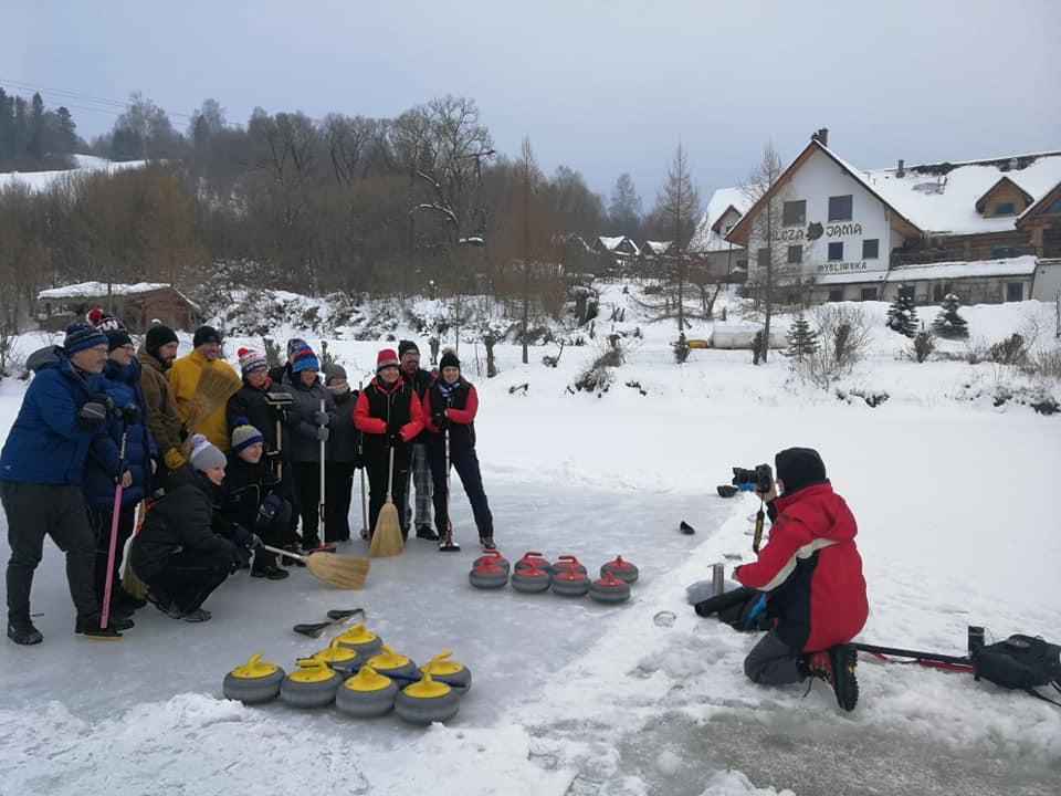 Curlingowe Biesy i Czady 2019 w Wilczej Jamie w Smolniku